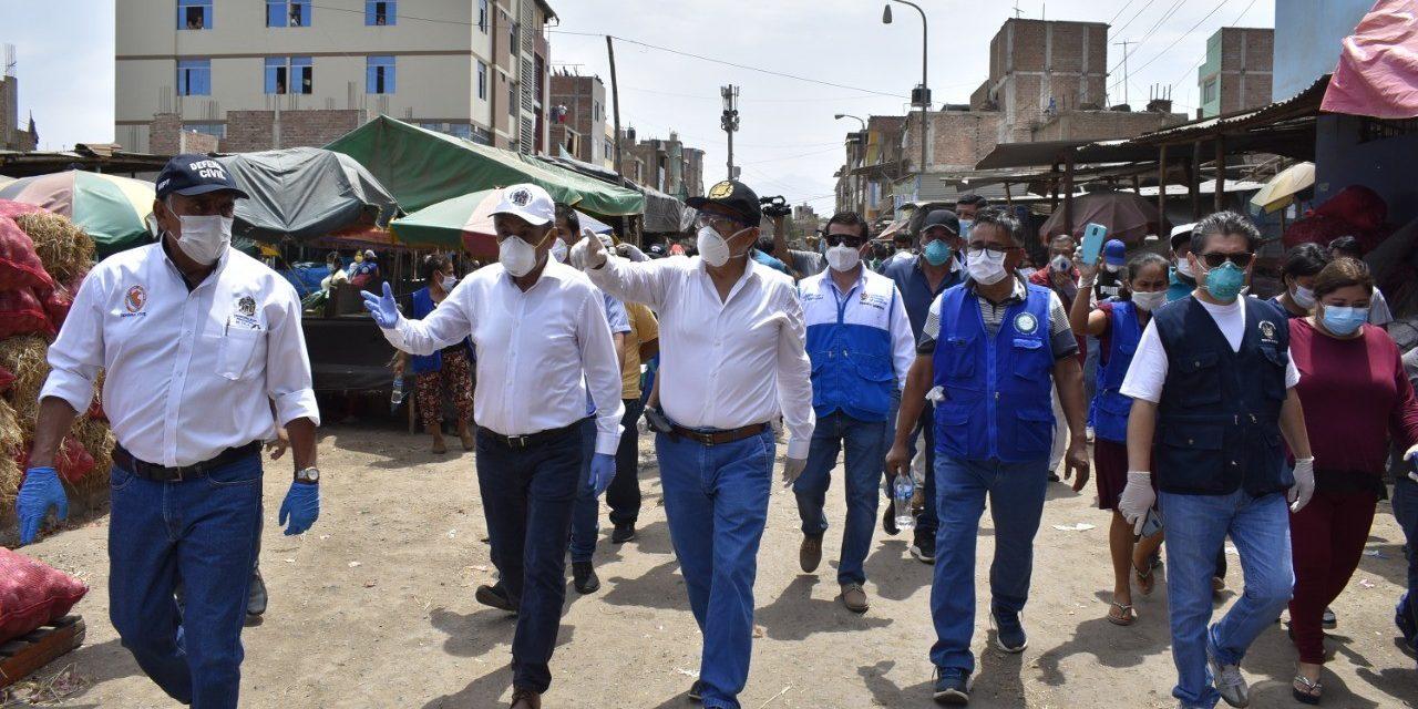 Comerciantes atienden de manera informal en la Hermelinda
