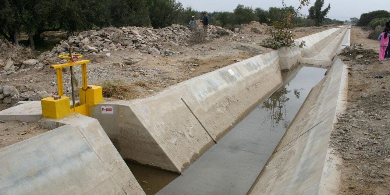 Minagri realiza mantenimiento de canales de riego y drenaje en La Libertad